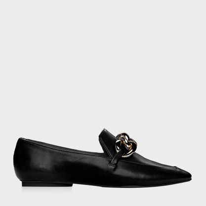 Sapato Carrano Preto com Corrente Dourada