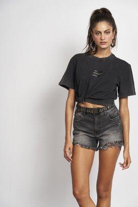 Shorts Jeans Colcci Desfiado Preto com Cinto