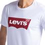 Camiseta Levis Branca com Logo Vermelha